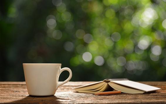Обои Белая чашка, книга, туманные