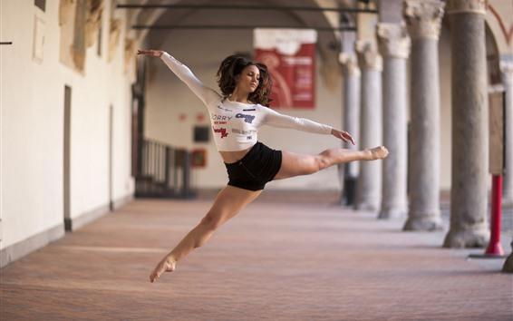 Fondos de pantalla Bailarina, posar, saltar