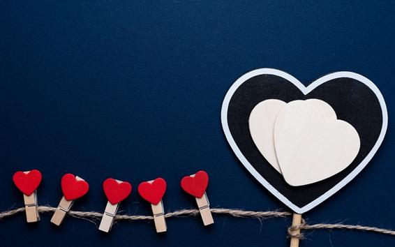 Fond d'écran Coeurs d'amour, pince à linge, fond bleu
