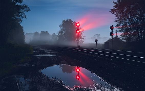 Обои Железная дорога, светофор, ночь