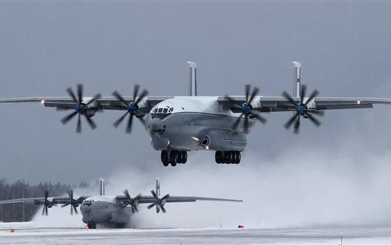 Hintergrundbilder An-22 Transportflugzeug, Landung