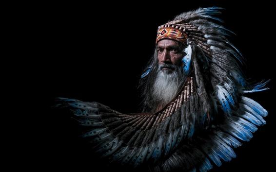 Hintergrundbilder Inder, Mann, Federn, schwarzer Hintergrund
