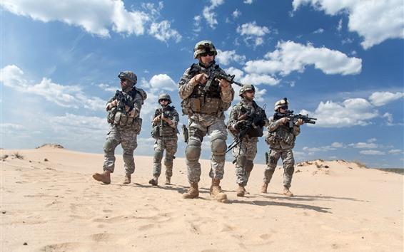 Обои Солдаты, пустыня