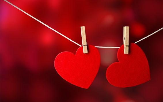 Papéis de Parede Dois corações de amor vermelho, prendedores de roupa, corda