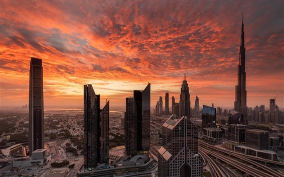 Fond d'écran Dubaï, gratte-ciels, ciel rouge, nuages, coucher de soleil