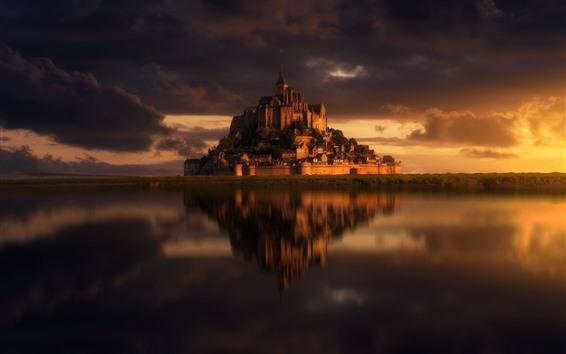 Fond d'écran France, Mont-Saint-Michel, île, château, mer, crépuscule, Normandie