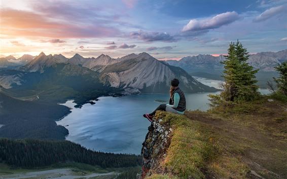 Обои Горы, озеро, деревья, девушка, канада