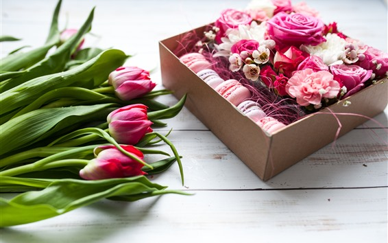 Papéis de Parede Tulipas cor de rosa e rosas, macaron, presente