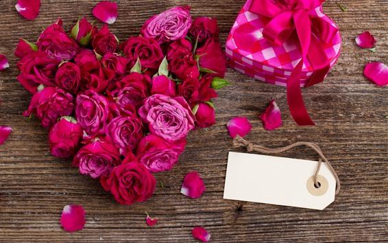 Papéis de Parede Rosas vermelhas e cor de rosa, pétalas, presente, romântico