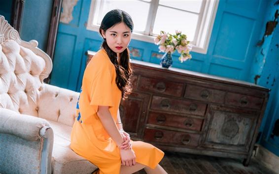 Wallpaper Retro style, Chinese girl, sofa