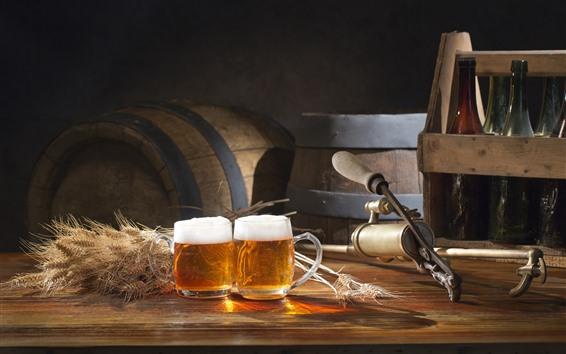 Papéis de Parede Dois copos de cerveja, trigo, garrafas