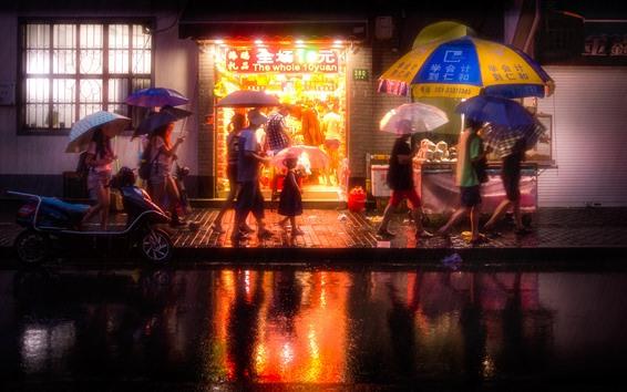 壁紙 中国、都市、夜、通り、店、雨、傘、人々