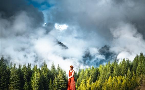 Papéis de Parede Menina, saia, montanhas, floresta, nevoeiro