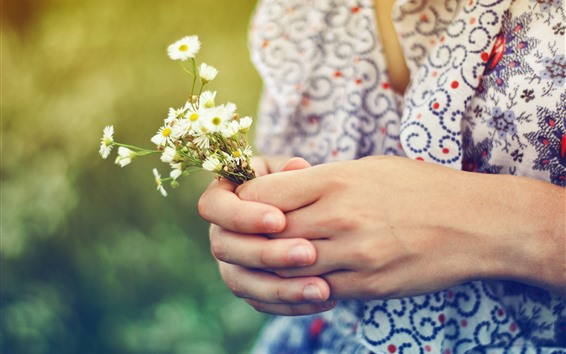 Wallpaper Girl hands, flowers, bouquet