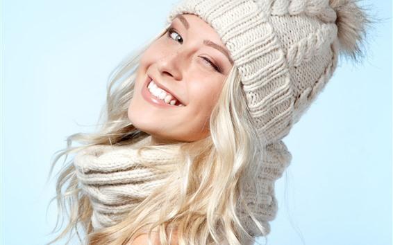 Fond d'écran Sourire fille blonde, chapeau