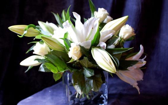 壁紙 白いユリとバラ、花束、花瓶
