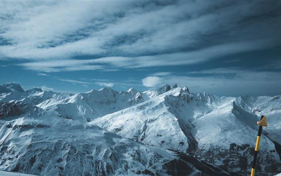 Обои Заснеженные горы, зима, природа пейзаж