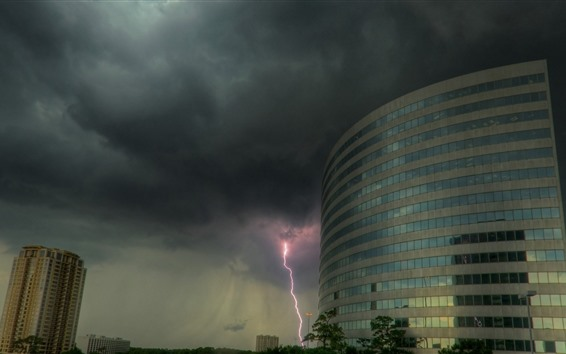 Fondos de pantalla Edificios, rayos, nubes, tormenta