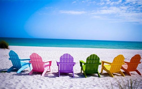 壁紙 カラフルな椅子、ビーチ、海