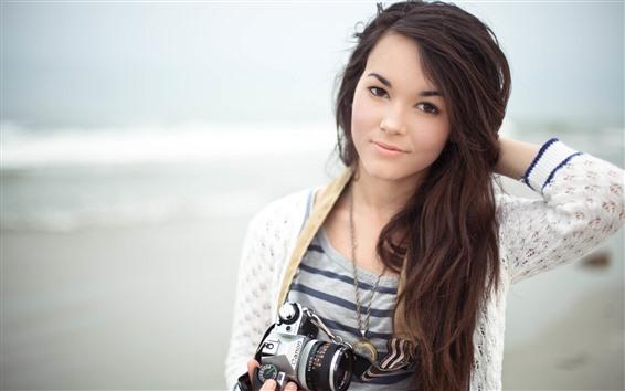 Обои Длинные волосы азиатская девушка, улыбка, камера