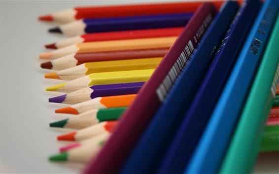 Fond d'écran Des crayons colorés, des livres