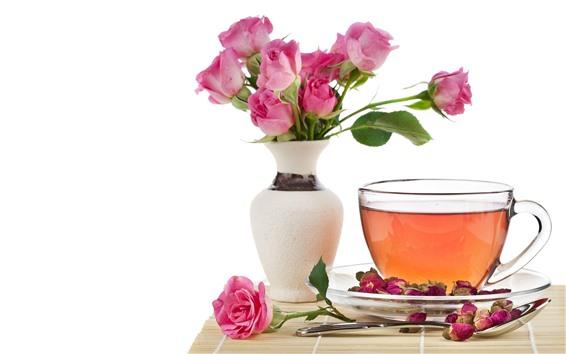 Обои Чай, розовые розы, чашка, ваза, белый фон