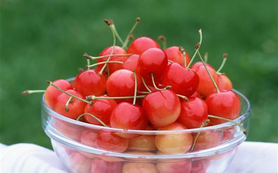 Обои Стеклянная чаша, много вишни, фрукты