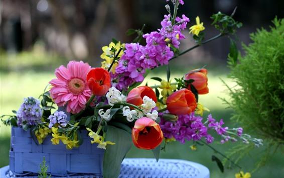 壁紙 花、ガーベラ、ピンクの花、チューリップ、バスケット