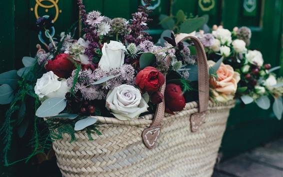 Papéis de Parede Rosas vermelhas e brancas, flores coloridas, cesta
