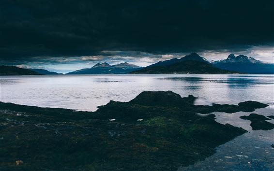 Hintergrundbilder Meer, Berge, Abenddämmerung, dicke Wolken
