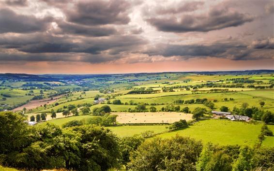 Обои Красивая сельская местность, поля, деревья, деревня, облака