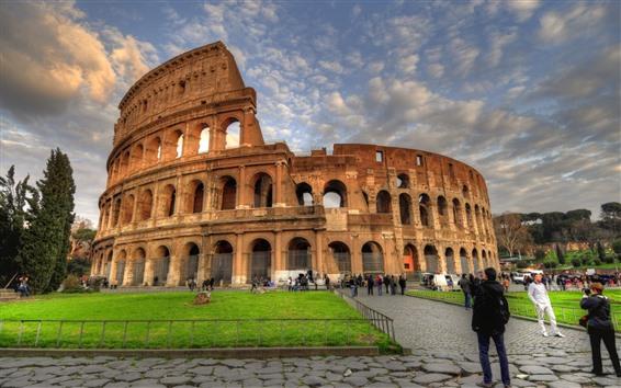 Papéis de Parede Coliseu, Roma, Itália, nuvens, pessoas