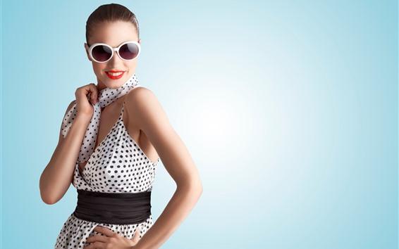Fond d'écran Fille Fashion, lunettes de soleil, écharpe, sourire