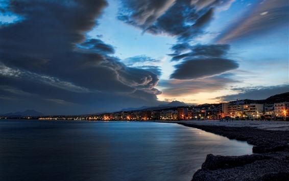 Обои Море, берег, город, небо, облака, ночь