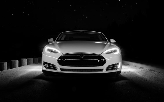 Обои Тесла белый автомобиль вид спереди, ночь