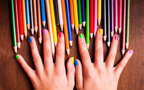 Fond d'écran Mains, crayons colorés