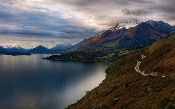 배경 화면 호수, 산, 도로, 눈, 두꺼운 구름