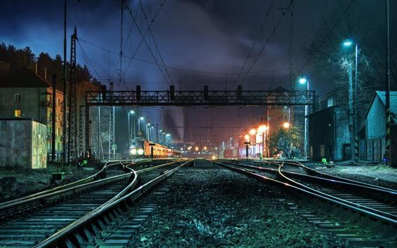 壁紙 鉄道駅、線路、夜、ライト、都市