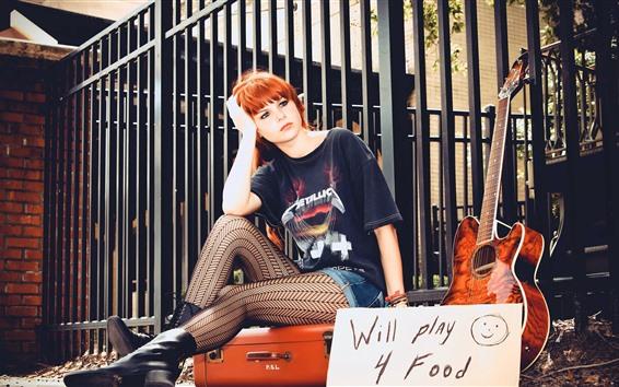 Fond d'écran Fille aux cheveux roux, guitare, clôture