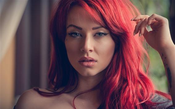 Fond d'écran Fille aux cheveux roux, tatouage, yeux bleus