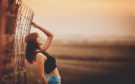 Hintergrundbilder Asiatisches Mädchen, Pose, Zaun, Dämmerung