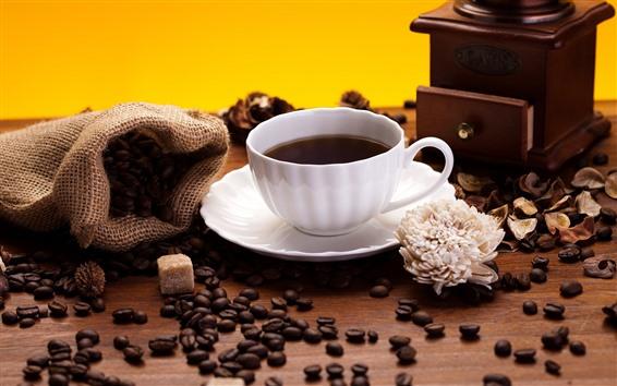 桌布 咖啡豆,白杯,花