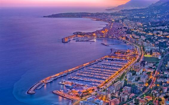 Hintergrundbilder Frankreich, Menton, Stadt, Boote, Hafen, Meer, Abenddämmerung, Lichter