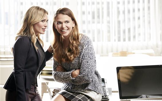 배경 화면 두 금발 여자, 사무실