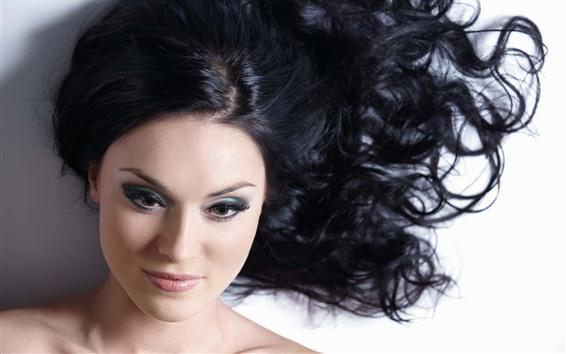 Обои Девушка с черными волосами, прическа, лицо, мода