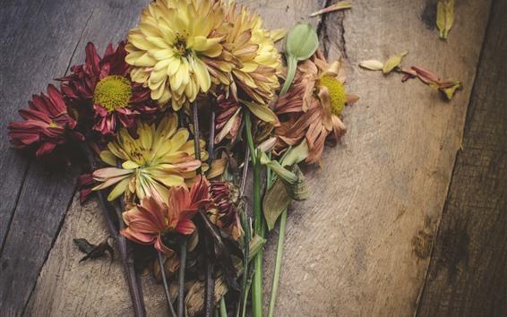 Papéis de Parede Flores amarelas e rosa, tábua de madeira
