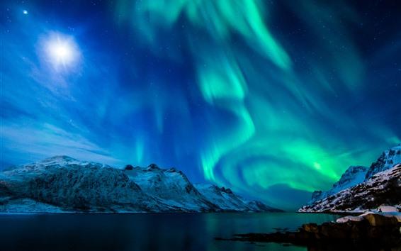 Fond d'écran Belles aurores boréales, rivière, montagnes, neige, lune, étoiles