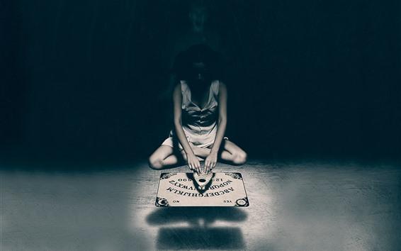 Wallpaper Girl play game, black background