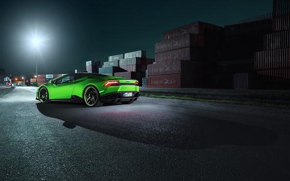Обои Зеленый суперкар Lamborghini, вид сзади, док, ночь