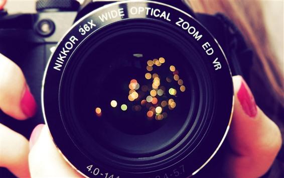Wallpaper Lens, light circles, finger